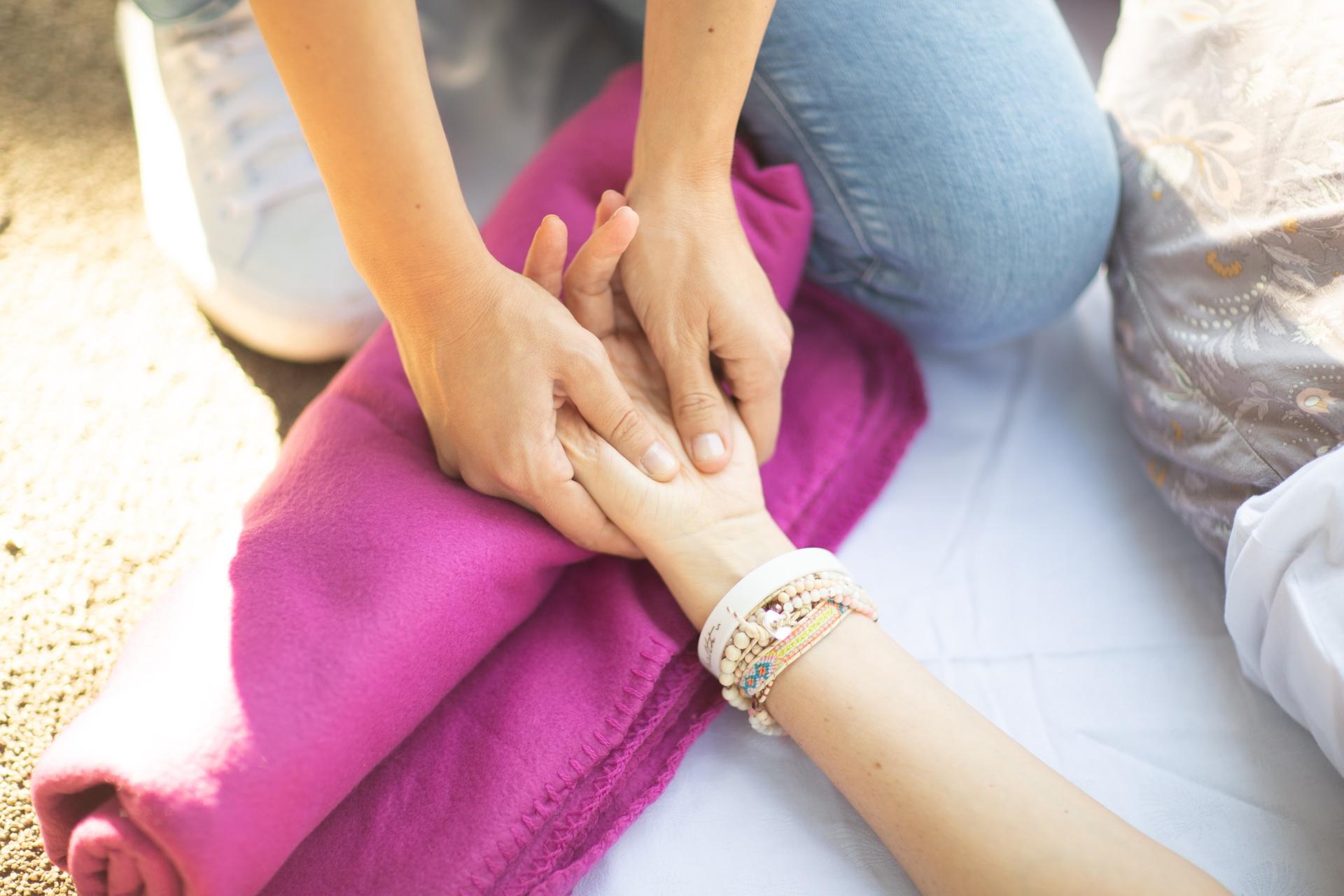 shiatsu behandeln der Hände
